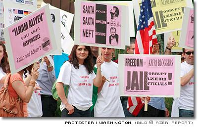 Stöd för Emin Milli och Adnan Hajizade utanför Azerbajdzjans ambassad i Washington från
