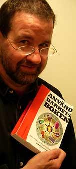 Tommy håller Användbarhetsboken